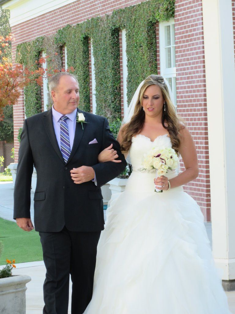We love the way Ashleigh's Father David is looking at her.