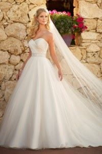 bridal-gowns-for-outdoor-weddings-beautiful