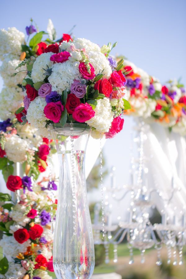 Florals by Make It Happen Events. Photography by Boone & Stacie Weddings.