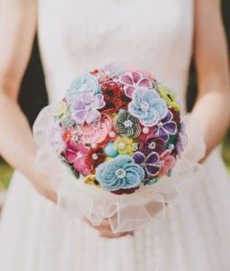 Unique-Wedding-Bouquet-Credit-to-weddingomania