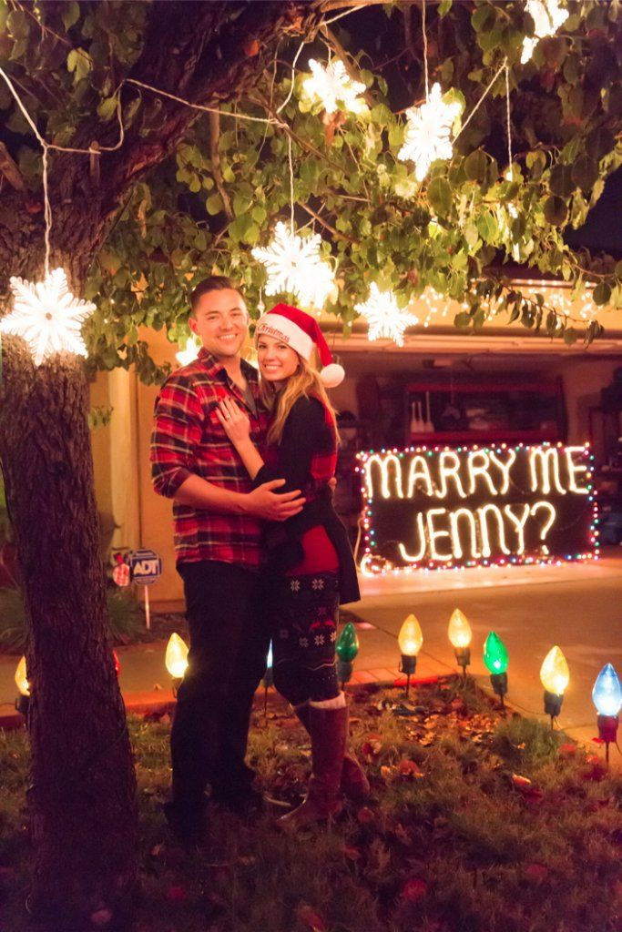 christmas-lights-marriage-proposal-0014