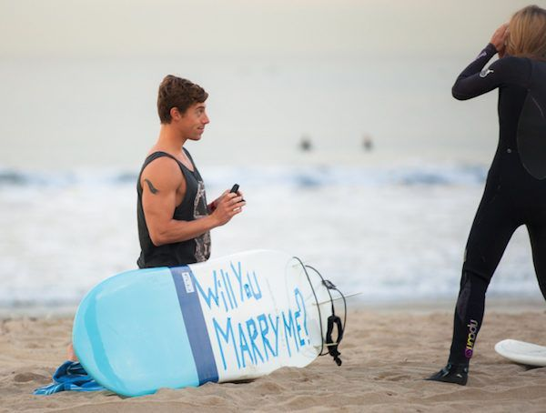 Surfing-Marriage-Proposal-_-Cool-Marriage-Proposal-Ideas_1077