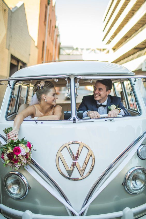 bride-and-groom-in-vw-bug