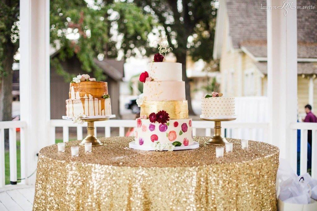 Carlos & Daniella Cake Table