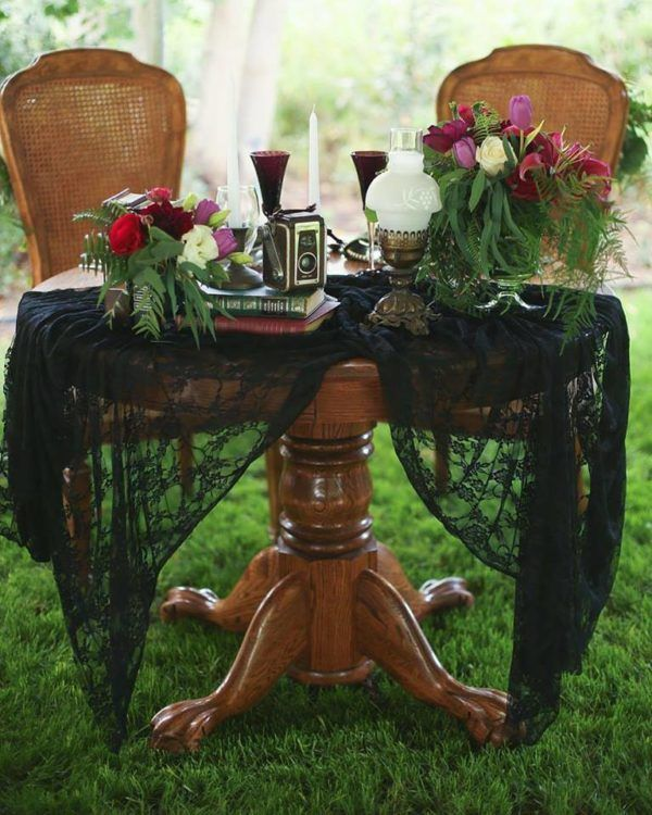 Esperanza Sweethear Table by Austin Thomas Photography