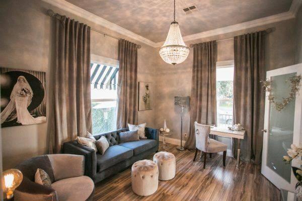 20th Street Cottage Community Room, designed by Jamie Urner Interior Design.